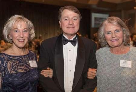 Diane Ludwig, Dr. Wayne Creelman and Donna Robart